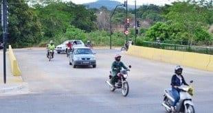 Montes Claros - Ponte sobre o córrego Vieira melhora trânsito na Sidney Chaves
