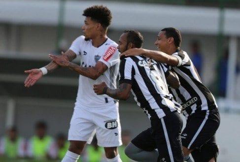 Brasileirão 2016 - Atlético leva gol no fim e é derrotado pelo Botafogo