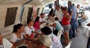 Pioneiro em realizar ações de conscientização do Outubro Rosa, o Hospital Dilson Godinho atendeu mais de mil pessoas somente na Feira do Bairro Major Prates