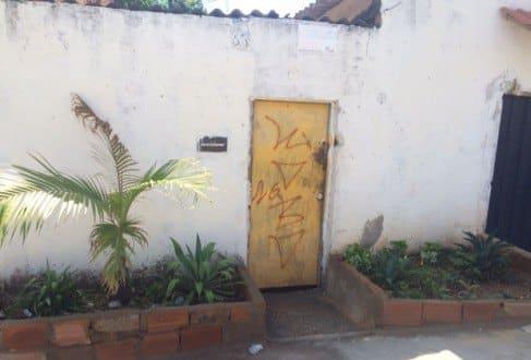 MG - Homens invadem casa e matam garota de 18 anos com 12 tiros