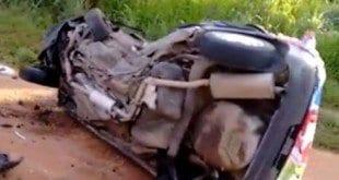 MG - Acidente entre van e carro deixa seis mortos em Corinto