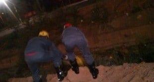 Montes Claros - Motociclista cai no córrego Pai João no bairro São Mateus