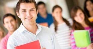 Programa de bolsas de estudo facilita acesso ao ensino básico e superior em Montes Claros