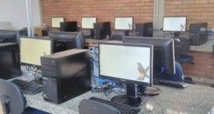 Escolas estaduais recebem novos computadores e outros equipamentos