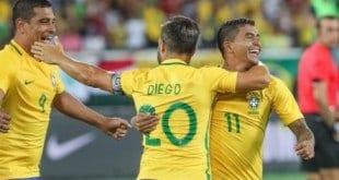 Jogadores que atuam no futebol brasileiro esperam ter nova chance