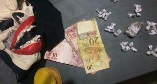 Montes Claros - Jovem é preso com drogas e uma máscara de 'caveira'