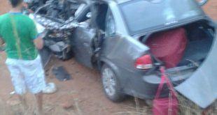 Norte de Minas - Homem morre e duas pessoas ficam feridas em acidente na BR-251