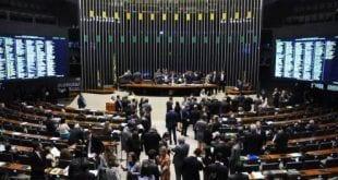 Congresso aprova LDO, com rombo de R$ 129 bi em contas públicas