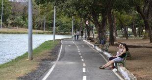 Montes Claros - Programa da Prefeitura oferece transporte gratuito de dez bairros para o parque municipal