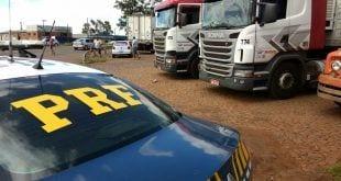MG - Caminhoneiros protestam pelo terceiro dia consecutivo em Minas Gerais