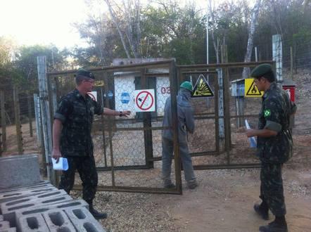 MG - Exército Brasileiro realiza fiscalização de explosivos em Minas Gerais