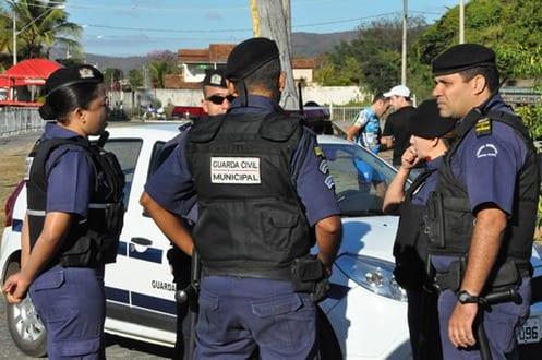Montes Claros - Porte de armas para Guarda Municipal é assunto de audiência