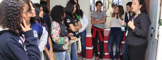 Estudantes da rede de educação estadual participam do programa Doador do Futuro, no Hemocentro de Belo Horizonte