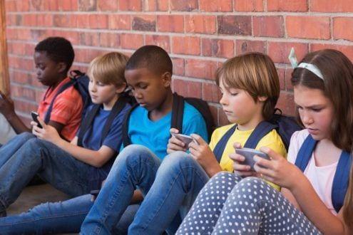 Grupos De Whatsapp Motivam 77 Dos Problemas Nas Escolas