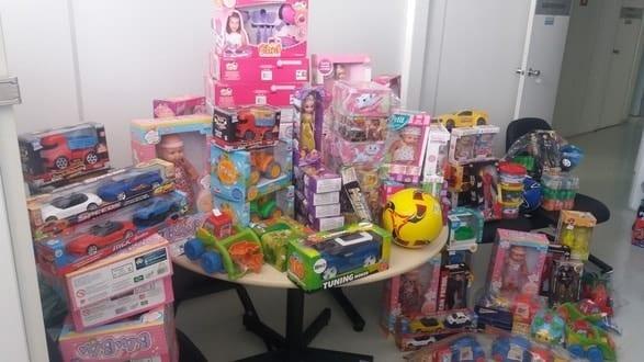 Montes Claros - Crianças atendidas no Hemocentro de Montes Claros ganham presentes de Natal