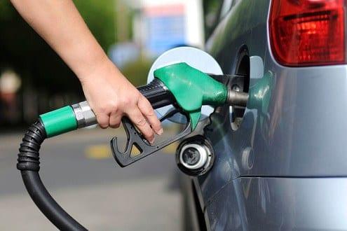 Petrobras anuncia queda de 0,70% nos preços da gasolina e do diesel