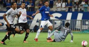 Fred teve oportunidades, mas passou em branco na vitória do Cruzeiro