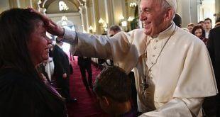 Em encerramento da visita que fez ao Chile e ao Peru, pontífice pediu que religiosos trabalhem pela unidade
