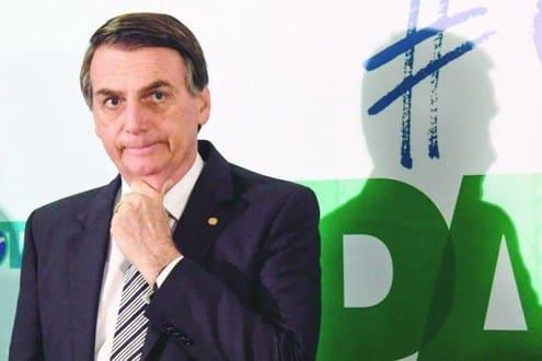 Barroso prevê que a candidatura Bolsonaro pode cair no colo de outra legenda