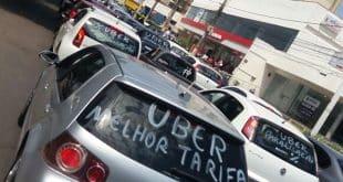 Montes Claros - Motoristas de aplicativos fazem protesto nas ruas de Montes Claros