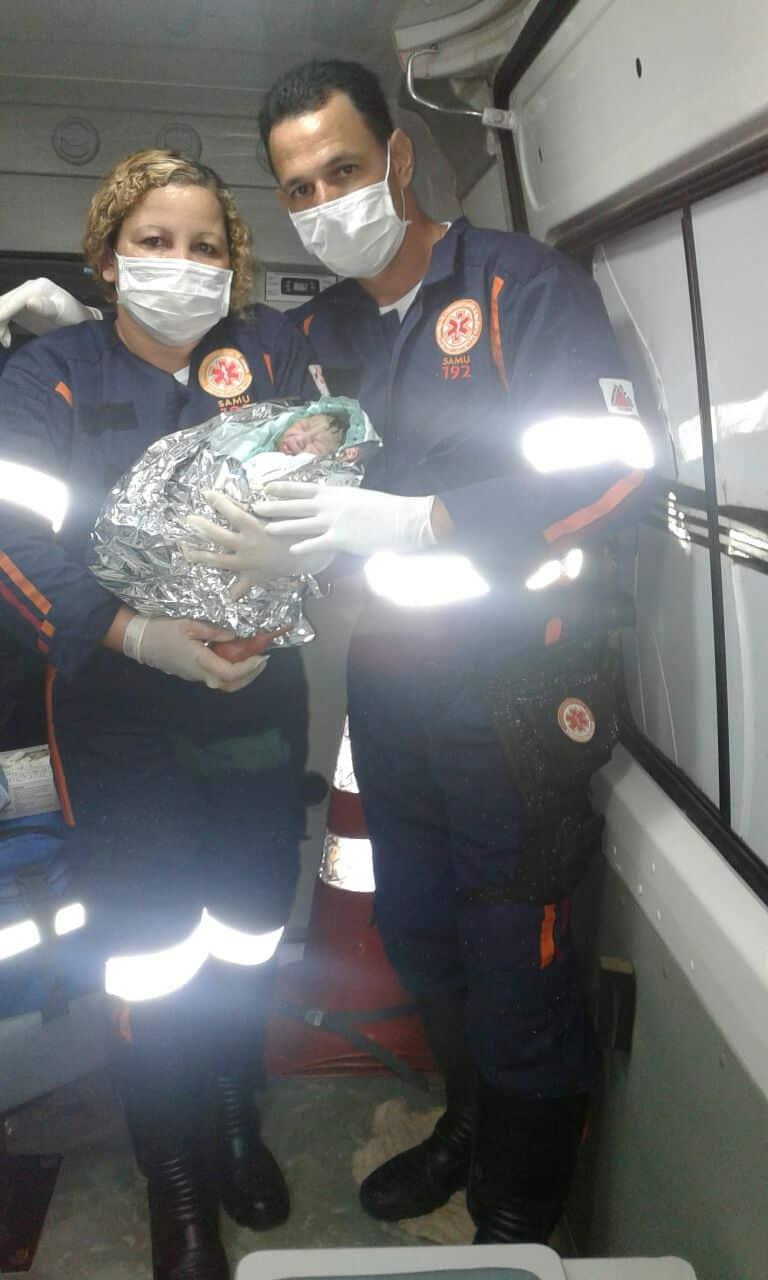 Bebê nasce dentro de ambulância do SAMU no Norte de Minas