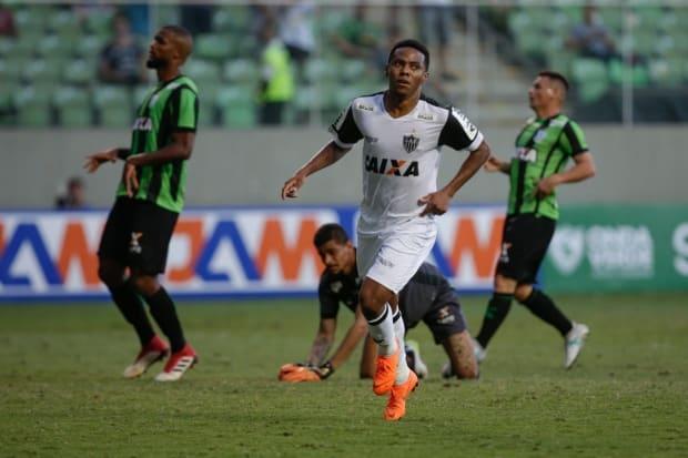 Em rápido contra-ataque, Elias marcou o segundo gol atleticano.