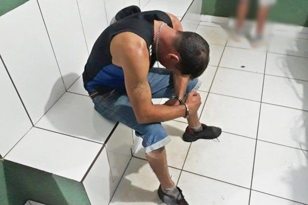 Homem é preso após estuprar a prima adolescente e bater nos familiares dela em Patos de Minas