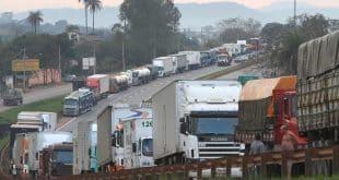 Greve dos Caminhoneiros - Mato Grosso decreta situação de emergência e autoriza uso de forças de segurança