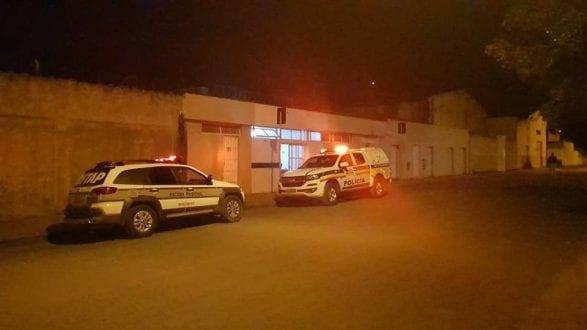 Agente penitenciário atira em travesti em no bairro Monte Alegre - Foto: Diana Maia