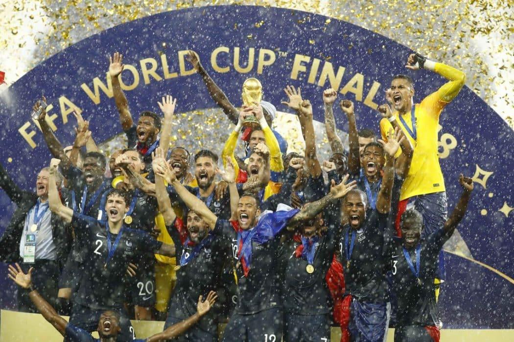 Com conquista do bi da Copa, França se iguala à Argentina e ao Uruguai
