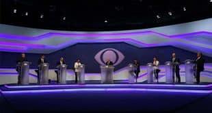 Logo nos primeiros minutos do debate, quando os candidatos foram questionados sobre as medidas que pretendiam tomar para gerar empregos, houve troca de farpas