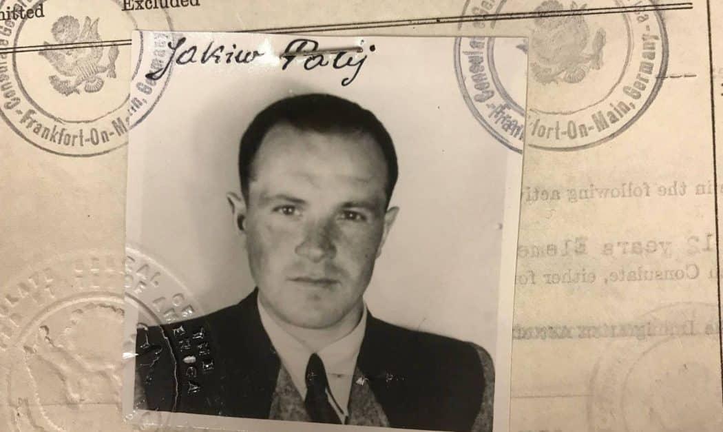 Fotografia do visto fornecido pelos EUA em 1949 a Jakiw Palij, antigo guarda nazista. EFE