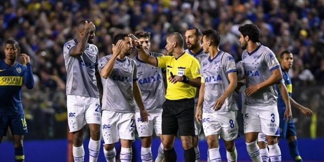 Libertadores 2018 - Com expulsão injusta de Dedé, Cruzeiro é derrotado pelo Boca na Argentina