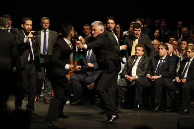 Rogério Correia (PT) brigou com o deputado federal Cabo Junio Amaral (PSL)