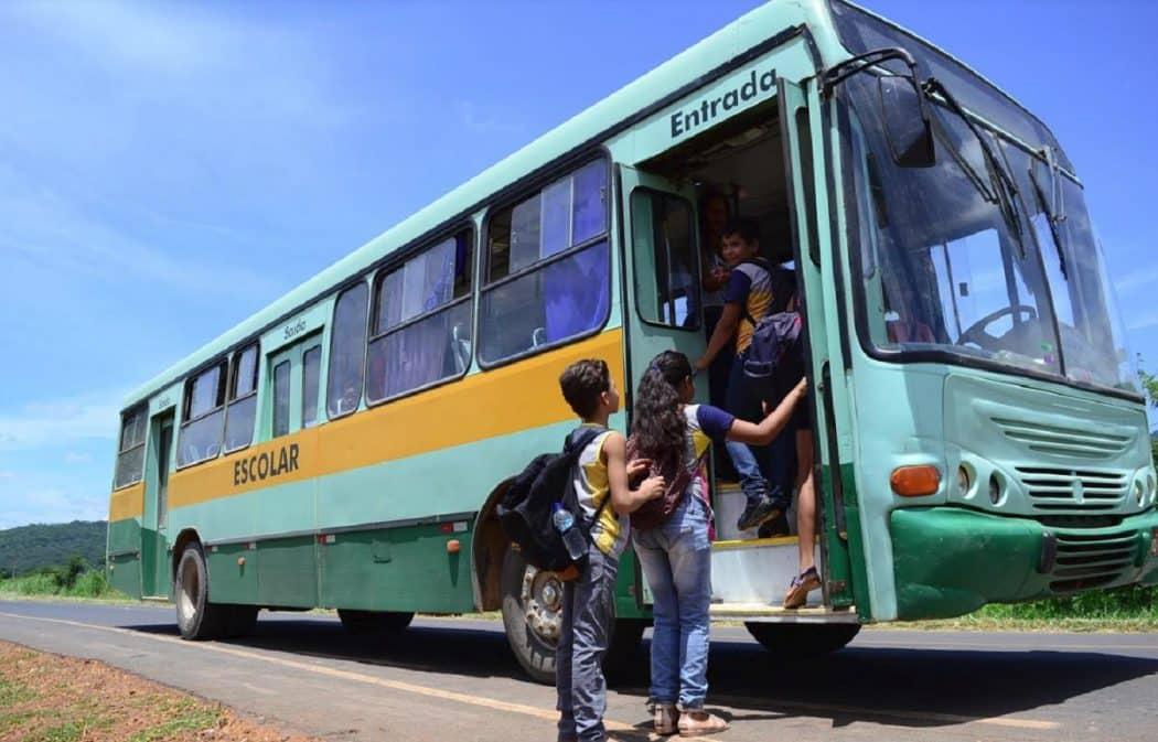 Montes Claros - Prefeitura de Montes Claros realiza licitação do transporte escolar rural