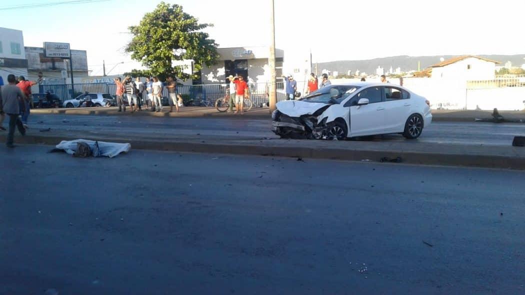 Motorista com sinais de embriaguez bate em carro, foge e mata motociclista na Avenida Deputado Plínio Ribeiro