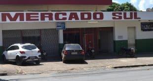 Feirantes comemoram reforma do Mercado Sul em Montes Claros