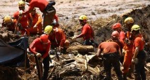 Segundo o comandante, alguns equipamentos estão sendo danificados pelo contato com a lama