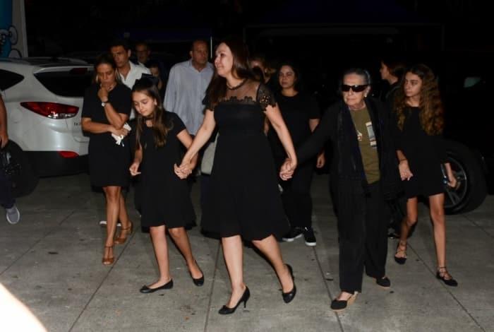 Esposa e filhos do jornalista - Deividi Correa / AgNews