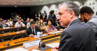 Coordenador da comissão, deputado Zé Silva