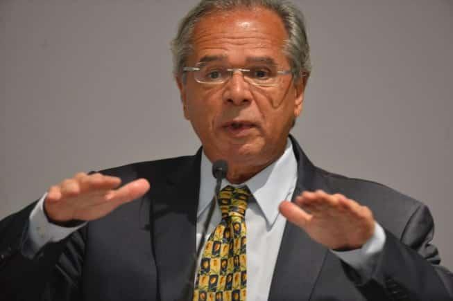 Guedes defendeu a chamada carteira de trabalho verde e amarela, proposta de campanha do presidente Jair Bolsonaro