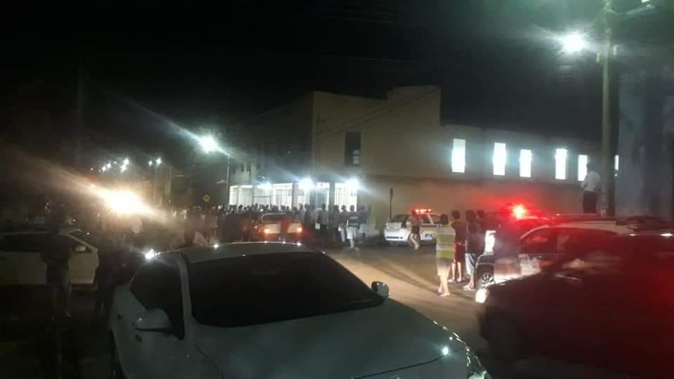 MG - Homem invade igreja evangélica atirando e deixa mortos e feridos em Minas Gerais