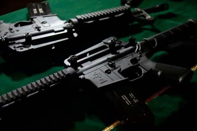 Bolsonaro muda decreto e cidadão comum não poderá comprar fuzil