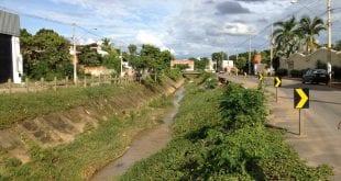 Montes Claros - Trabalhos para reconstrução da Avenida Vicente Guimarães são iniciados em Montes Claros