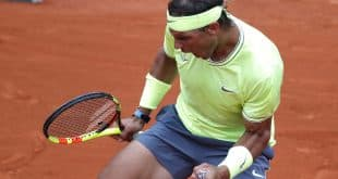 Nadal comemora vitória em Roland Garros (Foto: Charles Platiau/Reuters)