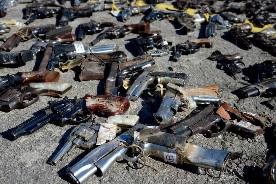 76,9% dos homicídios masculinos foram cometidos com a utilização de arma de fogo, assim como mais da metade dos homicídios femininos