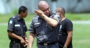 Suicídio já causa mais mortes de policiais do que confronto em serviço