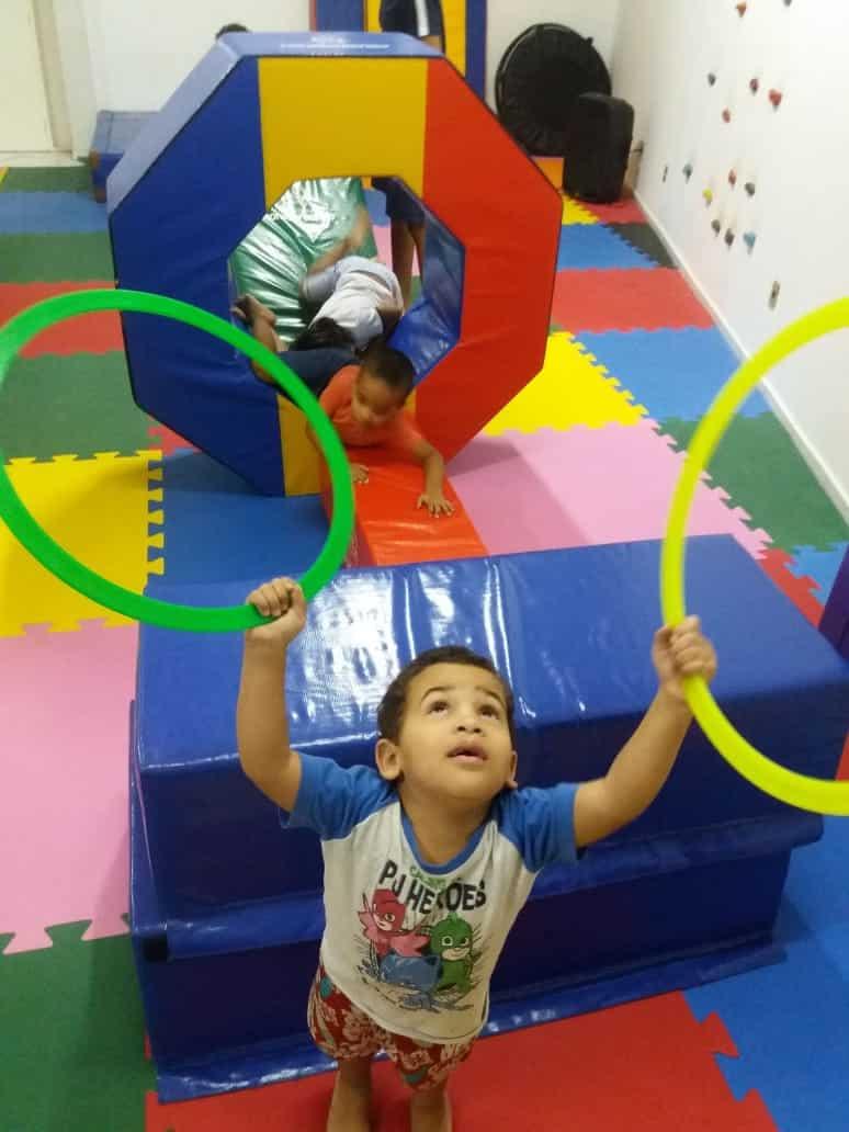 Montes Claros - Domingo é dia de diversão na aula funcional kids no Moc Shopping
