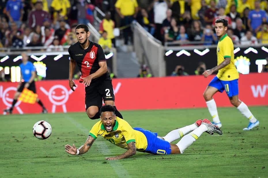 Seleção Brasileira - Com Neymar só no 2º tempo, Brasil joga mal é derrotado pelo Peru