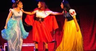 Montes Claros - Espetáculo teatral que incentiva a leitura é realizado em Montes Claros